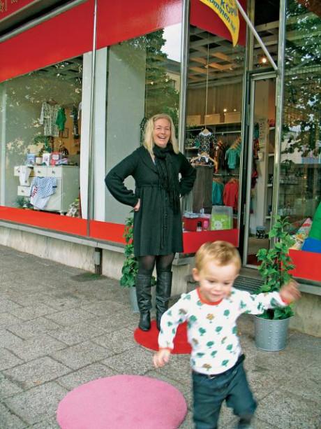 Följ prickarna till den nya butiken med barnkläder på ... 9001206a3a3e1